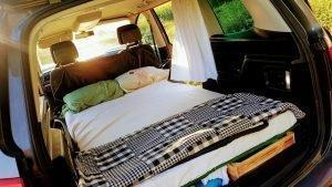 sleeping in vw sharan 5 seats car bed camping matress 1