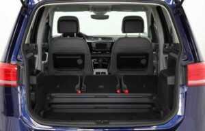 VW touran 2016 rear seats folded boot2
