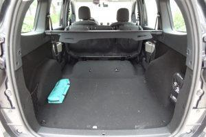 dacia lodgy boot trunk seats lifted